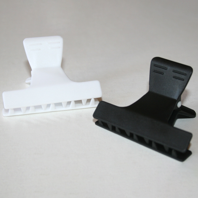 Black/White Clamps (2″)